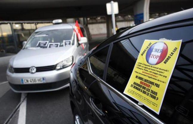Manifestation de taxis le 25 juin 2015 à Orly