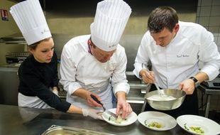 La Formule Jeunes des Etoiles d'Alsace propose des menus à prix réduits aux moins de 35 ans. Là, un dos de maigre rôti façon grenobloise, beurre noisette mousseux et gnocchis aux herbes.