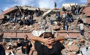 De nombreux immeubles se sont écroulés dans la province de Van, dans l'Est de la Turquie, pendant le séisme qui s'est produit le 23 octobre 2011.