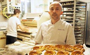 Frédéric Roy dénonce la vente des pâtisseries industrielles en boulangerie