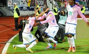 Evian-Thonon-Gaillard, qui se bat pour son maintien en Ligue 1, s'est qualifié pour la première fois en finale de la Coupe de France en s'imposant mercredi à Annecy (4-0) aux dépens du FC Lorient au terme d'un match dont le résultat s'est joué en première période
