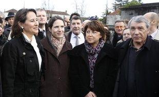 Segolene Royal (à g.), Mazarine Pingeot, Martine Aubry et Gilbert Mitterrand à la cérémonie pour le 15e anniversaire de la mort de François Mitterrand, à Jarnac, le 8 janvier 2011.