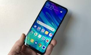 Huawei lance son P Smart 2019 à 229 euros.