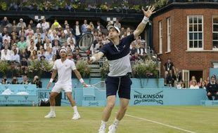 Andy Murray remporte le Queens en double