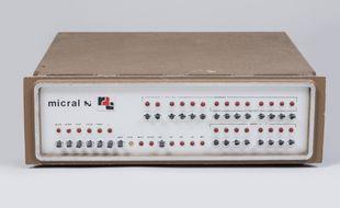 Le premier micro-ordinateur de l'histoire, un Micral N., sera vendu aux enchères le 11 juin 2017 au château d'Artigny, près de Tours (Indre-et-Loire).