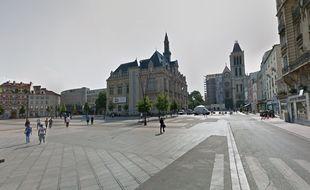 Les faits se sont déroulés place Jean-Jaurès, à Saint-Denis.