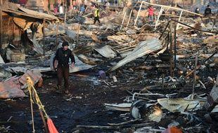 Une explosion sur le plus grand marché de feux d'artifice du Mexique a fait au moins 31 morts et 72 blessés mardi à Tultepec.