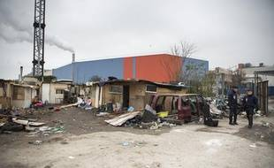 Évacuation du campement de roms de Saint-Ouen (Seine-Saint-Denis) le 27 novembre 2013.