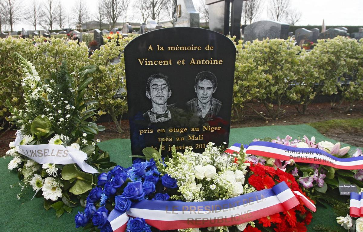 La stèle en hommage à Vincent et Antoine au cimetière de Linsellesn dans le Nord. – M.Libert / 20 Minutes (archives)