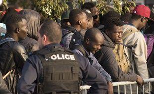 Evacuation des migrants du square Daviais à Nantes, le 20 septembre 2018.