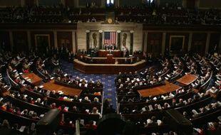 La Chambre des représentants des Etats-Unis, à majorité républicaine, a adopté mercredi un compromis budgétaire négocié avec la Maison Blanche qui écarte tout risque de défaut de paiement jusqu'en 2017