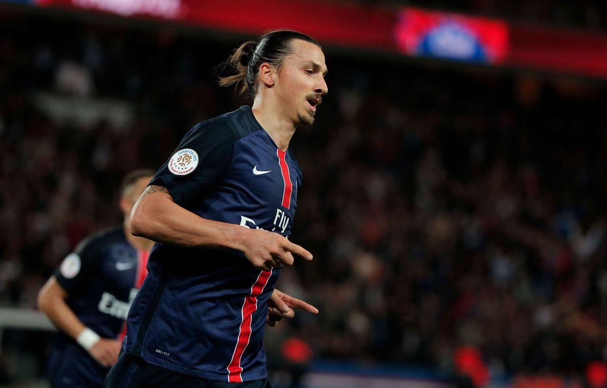 Zlatan Ibrahimovic lors du match entre le PSG et Toulouse le 13 novembre 2015. – Thibault Camus/AP/SIPA