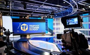 Le plateau de Téléfoot peu avant le lancement de la chaîne, le 18 août 2020.