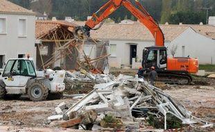 A la demande de l'Etat, la zone pavillonnaire, qui était habitée en grande partie par des retraités qui avaient cru y trouver un logement abordable, a été rasée et nettoyée. Elle est désormais strictement inconstructible.
