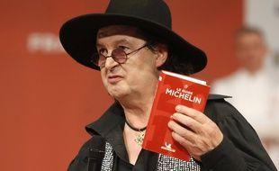 Le guide Michelin, attaqué par Marc Veyrat en justice, réclame 30.000 euros au cuisinier pour