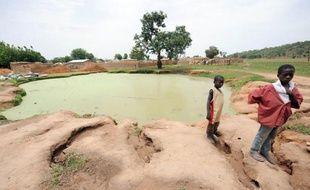 Le Nigeria reçoit les 9 et 10 mai une conférence internationale sur l'épidémie d'empoisonnement au plomb, en voie d'extinction, qui a tué plus de 400 enfants depuis 2010 dans le nord de ce pays, le plus peuplé d'Afrique, selon l'ONG Human Rights Watch (HRW).