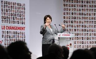 La première secrétaire du parti socialiste, Martine Aubry, parle lors du Conseil national du parti à Paris, le 9 avril 2011.