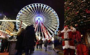 Le traditionnel rush de Noël dans les magasins pour les achats de fêtes devrait intervenir ce samedi en France, avec 14 millions de consommateurs attendus dans les boutiques, indique mercredi une étude du Centre for retail research (CRR) pour bons-de-réduction.com.