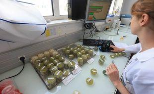 Strasbourg le 16 juillet 2018. Le Centre d'analyses et de recherches (CAR) à Illkirch-Graffenstden effectue les analyses d'eau.