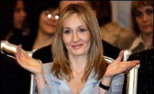 J.K. Rowling, qui a imaginé le personnage d'Harry Potter, a été désignée meilleure écrivain britannique vivante, devançant des auteurs aussi fameux que Salman Rushdie et Harold Pinter, par les lecteurs du magazine littéraire Book.