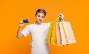 Les adolescents prennent le contrôle de leurs finances de plus en plus jeunes.