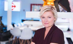 Anne-Elisabeth Lemoine sur le plateau de «C à Vous».