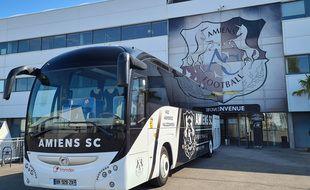 Le bus de l'Amiens SC servira de vaccinodrome mobile.