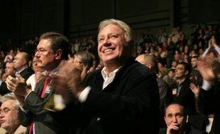 Cinq motions, et non six, seront finalement soumises au vote des militants socialistes le 11 octobre, l'auteur d'un des textes, Gérard Filoche, s'étant rallié à la motion de l'aile gauche du PS, a-t-on appris auprès du parti et de signataires de motions.