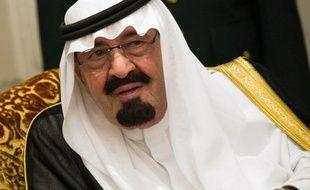 """Le roi Abdallah d'Arabie saoudite, 89 ans, a subi """"avec succès"""" une nouvelle opération chirurgicale au dos, a annoncé dimanche le cabinet royal dans un communiqué."""
