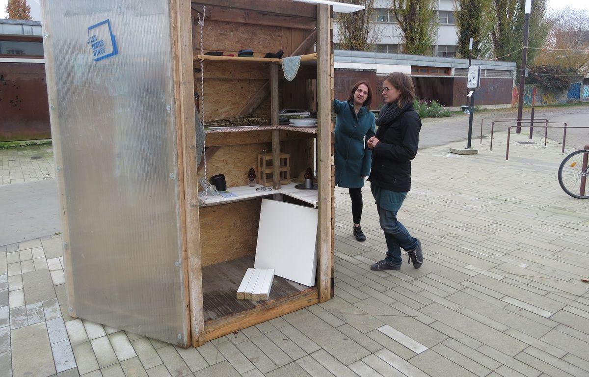 A Nantes le 26 novembre 2014- La premiere Givebox a ete installee sur l ile de Nantes – Julie Urbach / 20 Minutes