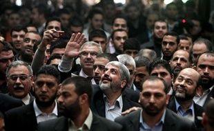 Les mouvements palestiniens rivaux Hamas et Fatah ont échangé dimanche des déclarations conciliantes, au lendemain de l'appel du chef en exil du Hamas, Khaled Mechaal, à mettre fin à la division entre la Cisjordanie et la bande de Gaza.