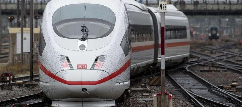 Le train rapide de la Deutsche Bahn entre Berlin et Munich.