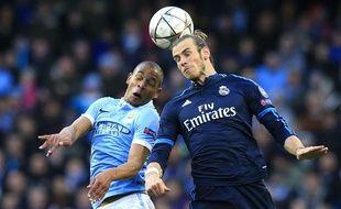 Gareth Bale (Real Madrid) et Fernando (Manchester City), lors de la demi-finale aller de la Ligue des champions le 26 avril 2016.