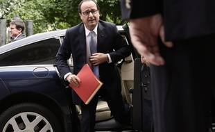 French President Francois Hollande arrives to take part to a social conference with unions and employers at the French Economic, Social and Environmental Council (CESE) at the Palais d'Iena, in Paris, France, n July 7, 2014./SIPA_1644.02/Credit:Lemouton Stephane-POOL/SIPA/1407071650
