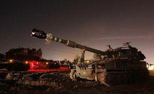 Un char d'assaut israélien près de la frontière nord de la bande de Gaza, le 15 novembre 2012.