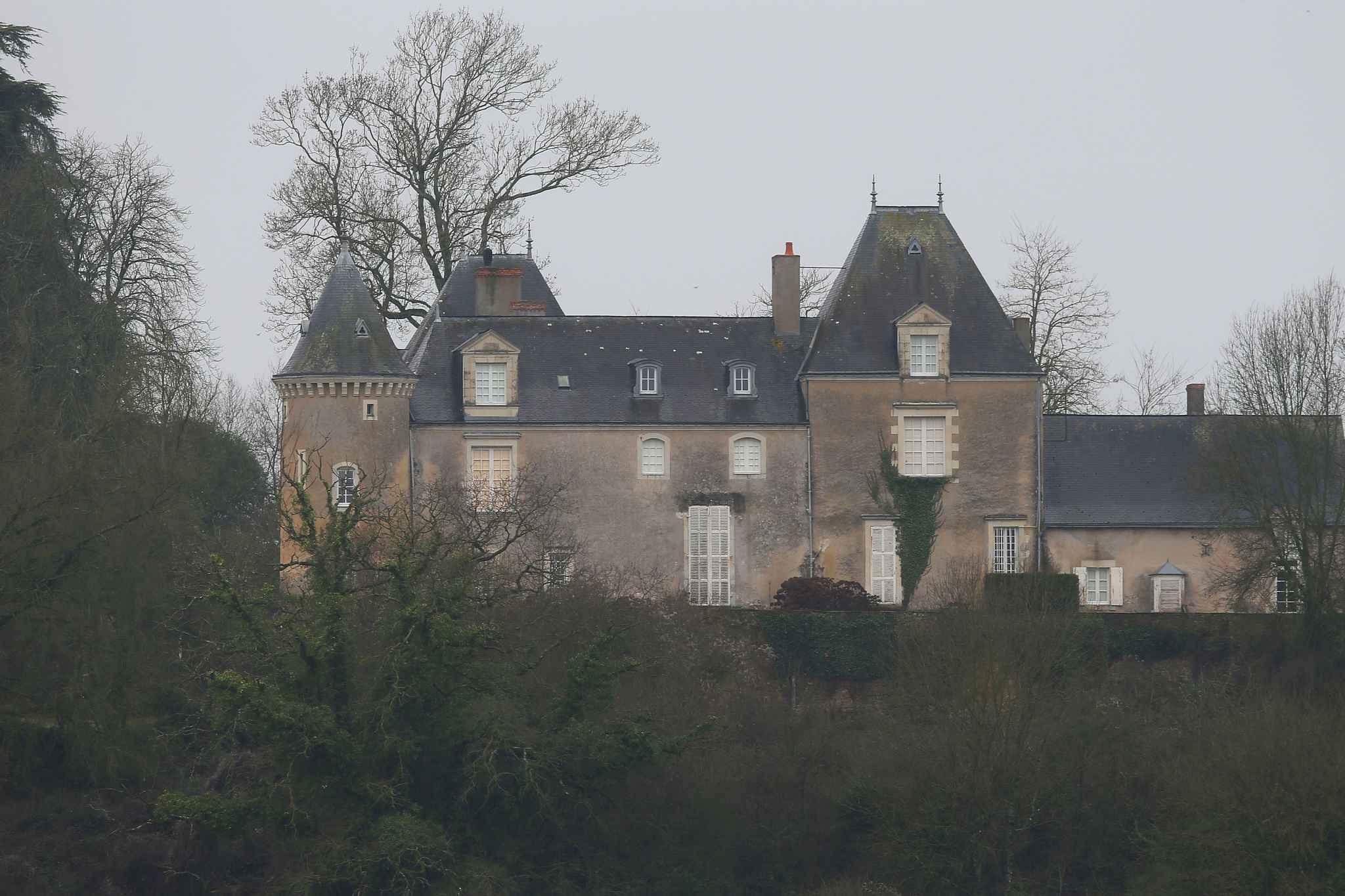 Affaire fillon le manoir du couple perquisitionn dans la sarthe - Evaluer la valeur de sa maison ...