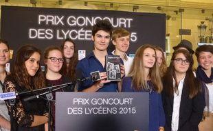 Les lycéens venus de toute la France ont décerné le Goncourt des Lycéens à Delphine de Vigan.
