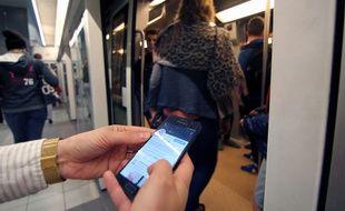 Illustration de l'ouverture du réseau 4G dans le métro de Rennes.