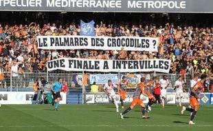 Une banderole dévoilée par les supporters du MHSC, lors d'une rencontre face à Nîmes, à la Mosson (illustration)