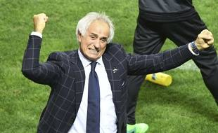 Vahid Halilhodzic fête la qualification du Japon pour la prochaine coupe du Monde( The Yomiuri Shimbun via AP Images )/YOMIU/17243460316020/JAPAN OUT/1708311454