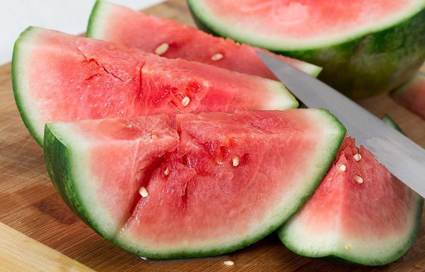 VIDEO. Pastèque, melon, concombre... Quels aliments privilégier pendant la canicule?