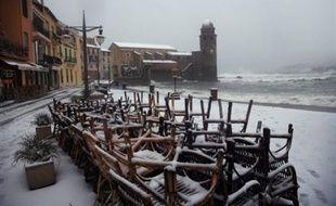 """Moins de 5.000 foyers des Pyrénées-Orientales étaient encore sans électricité samedi en fin de journée en raison des chutes de neige ayant touché vendredi le département, mais la situation était """"en voie de redevenir normale"""", a-t-on appris auprès de la préfecture."""