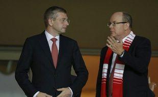 Le président russe de Monaco Dimitri Rybolovlev en compagnie du Prince Albert, au Stade Louis II, le 16 septembre 2014.