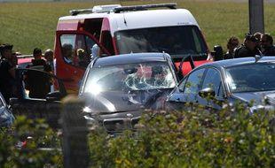La BMW ayant servi à l'attaque contre des militaires à Levallois-Perret a été interceptée par la BRI sur l'A16. Un homme a été interpellé.