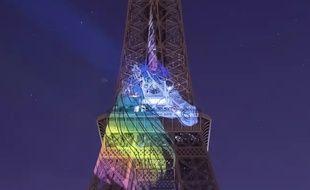 Une licorne projetée sur la tour Eiffel dans la nuit du 7 au 8 avril 2019, à Paris.