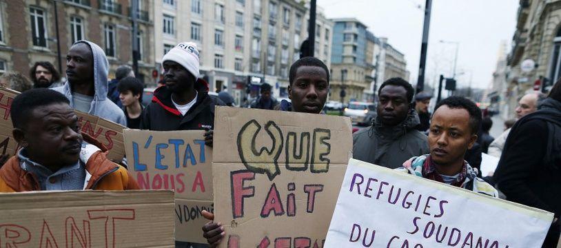 Une manifestation dénoncent la situation des sans-papiers au Havre, le 19 décembre 2016.