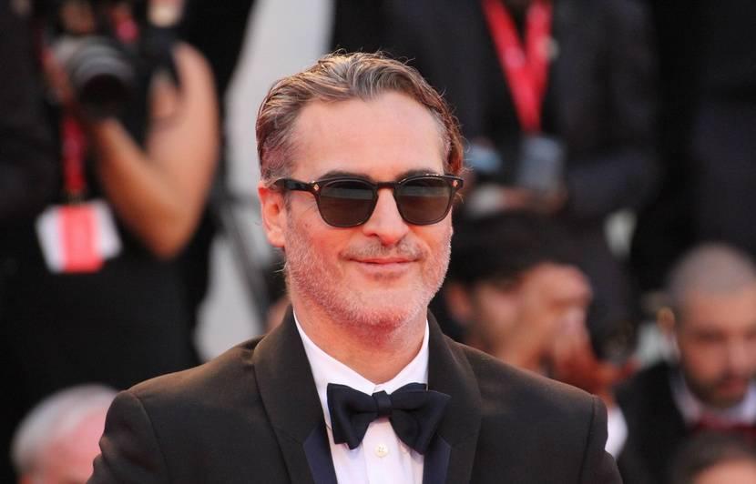 VIDEO. Joaquin Phoenix n'a quasiment pas parlé à Robert De Niro pendant le tournage de « Joker »