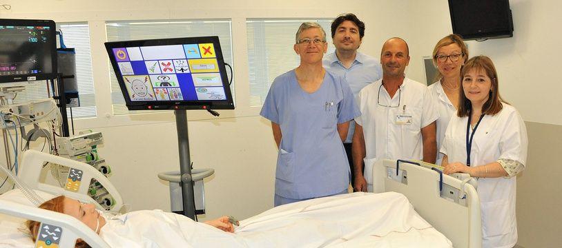 Le robot Bob permet aux patients de s'exprimer par un simple mouvement de l'oeil