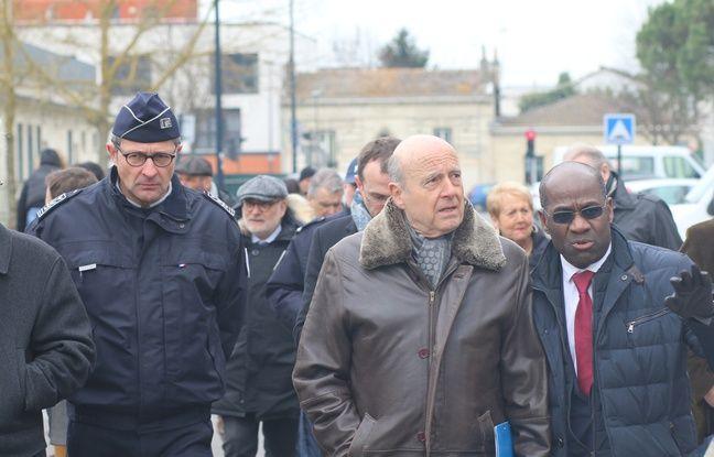 Alain Juppé en visite dans le quartier Bacalan à Bordeaux pour le lancement de la police de sécurité du quotidien.