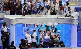 Le Japon est en tête du Trophée mondial par équipes de patinage artistique après le succès vendredi à Tokyo de Daisuke Takahashi devant le Canadien Patrick Chan et le Français Brian Joubert.